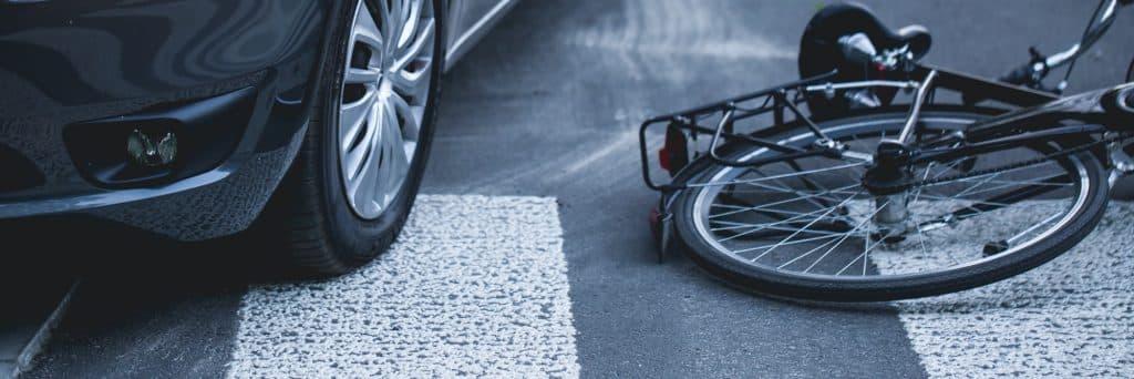 Est-ce que le conducteur est obligé de souscrire une assurance au tiers ?